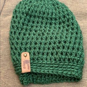Beautiful green hat. For the upcoming seasons.